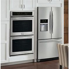 The Frigidaire Gallery 30-inch Electric Double Wall Oven features two large 4.6 cu. ft. capacity ovens, so you have more room to cook multiple items at once and at two different temperatures. The Express-Select control panel makes it easy to set your cooking temperature or choose one-touch cooking options for baking and cooking at the touch of a button. With True Convection in both the top and the bottom ovens, the convection fan distributes heat throughout the oven for faster and more even…
