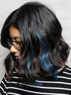 ----sponsored ads---- Should you're pondering of taking the plunge and reaching for the blue black hair dye you've come to the correct place. Black Hair With Blue Highlights, Blue Hair Streaks, Blue Brown Hair, Black Hair Dye, Ombre Hair, Dark Hair, Home Hair Dye Tips, Blue Tips Hair, Under Hair Color