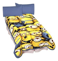 Universal A4322C Minions Little Yellow Buddies Microraschel Blanket, 62 by 90-Inch
