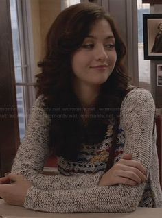 Maggie's grey mixed knit sweater on The Carrie Diaries.  Outfit Details: http://wornontv.net/26299/ #TheCarrieDiaries