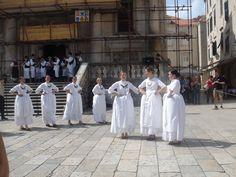 Dubrovnik - Folk dancers in the Old Town