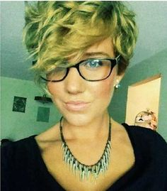 20 Curly Asymmetrical Pixie Hairstyles | http://www.short-haircut.com/20-curly-asymmetrical-pixie-hairstyles.html