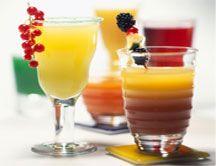 Suben las temperaturas y refrescarnos es la mejor forma de pasar el verano. Te ayudamos a preparar los mejores cócteles sin alcohol para luchar contra el termómetro. http://www.soymanitas.com/cocteles-sin-alcohol-para-refrescarse-en-verano