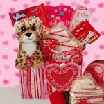 So many fun Valentine's Day gifts for kids on this site!!
