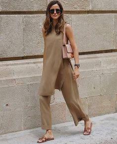 Summer Fashion Tips .Summer Fashion Tips Mode Outfits, Casual Outfits, Fashion Outfits, Womens Fashion, Fashion Tips, Fashion Trends, Fashion Hacks, Ladies Fashion, Modest Fashion
