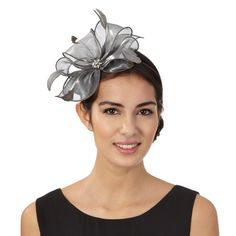 This headpiece from Debut is the perfect finishing accessory for special occasions. Designed with an elegant silver bow, the fascinator has a comfortable headband to keep its slanted style. Cleaning Silver Jewelry, Silver Jewelry Box, Jewelry Art, Jewellery, Silver Hats, Silver Bow, Silver Fascinator, Headpiece, Facinators Wedding