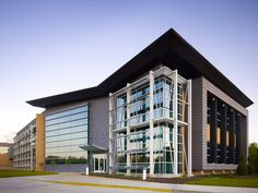 Advanced Energy Center, Stony Brook University / Flad Architects | ArchDaily