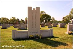 Image Detail for - Surprisingly, Al Capone's grave stone was small. People constantly ...