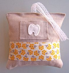 Linen Tooth Fairy Pillow with wool felt pocket and by ParkerJshop, $10.00