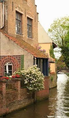Bruges, Belgium  |  the Infinite Gallery blogspot