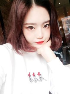 Image via We Heart It https://weheartit.com/entry/159995966 #asian #cute #kawaii #korean #shorthair #ulzzang