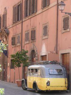 Vintage bus in Rome