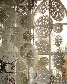 Snowflake Curtain - rideau de cristaux neige en papier