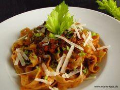 Tagliatelle con Ragú alla Bolognese - der italienische Klassiker! Das Geheimnis einer exelenten Bolognese: Gute Zutaten und eine lange Kochzeit