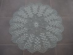 Ravelry: Decke mit Blütendolden by Herbert Niebling