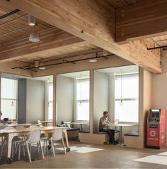 Un endroit cosy pour travailler, quoi de mieux ? A Portland aux États-Unis de nouveaux bureaux très créatifs pour une entreprise de banque en ligne ont vu
