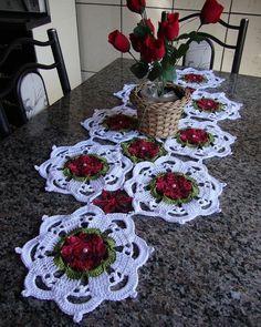 Crochet Table Runner Pattern, Crochet Doily Patterns, Weaving Patterns, Crochet Squares, Crochet Motif, Crochet Designs, Crochet Doilies, Crochet Flowers, Crochet Home