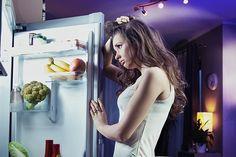تعرف على اغذية خفيفة يمكن تناولها منتصف الليل -  تعرف على #اغذية_خفيفة يمكن تناولها منتصف الليل يحذر خبراء #التغذية من اتباع أنظمة غذائية غير #صحة والتي تتعمد الحرمان من تناول العديد من الوجبات وخاصة الوجبات الجانبية والتي هي في الأساس العامل الأساسي في تناول كميات قليلة من الطعام على الوجبات الثلاثة الأساسية وينصح الخبراء بتناول وجبات خفيفة صحية بين الوجبات الرئيسية لتغذية #الجسم بالعناصر الغذائية التي يحتاجها ولضمان الشعور الدائم بالشبع.  مزيد من المعلومات