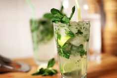 Get everyone in the fun at #parties with these festive, #yummy #non-alcoholic #cocktail recipes.