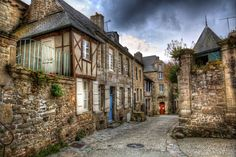 Les plus beaux villages de Bretagne Brittany France, Beaux Villages, Destination Voyage, France Travel, World Heritage Sites, Provence, Beautiful Places, Places To Visit, Architecture