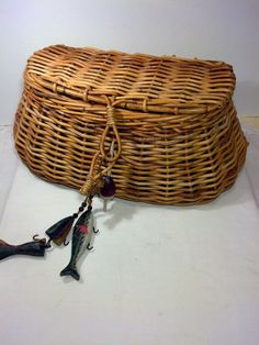 Hey, I found this really awesome Etsy listing at https://www.etsy.com/listing/212043988/wicker-fishing-creel-vintage-fishing