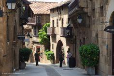 #poble #espanyol #barcelona  http://www.everythingbarcelona.net/en/sightseeing/poble-espanyol-the-spanish-village/
