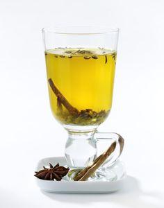 Unser beliebtes Rezept für Gewürz-Tee mit Fenchel, Sternanis, Zimt und Kurkuma und mehr als 55.000 weitere kostenlose Rezepte auf LECKER.de.