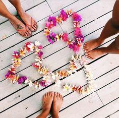 Flowers and besties Summer Dream, Summer Sun, Summer Of Love, Summer Vibes, Pink Summer, Summer Breeze, Flower Power, The Beach, Beach Bum