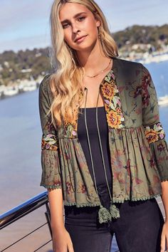 Floral Casual Polyester Round Neckline Military Green Green Sleeves Shift Blouses Ruffles S M L XL XXL Blouses Indian Fashion, Boho Fashion, Fashion Dresses, Kurta Designs, Blouse Designs, Boho Outfits, Fall Outfits, Mode Abaya, Mode Boho