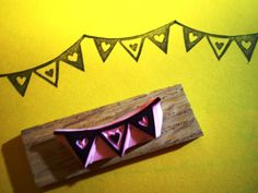 Bunting  - hand carved rubber stamp op Etsy, 4,15 €