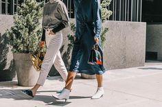 Los botines de la temporada (y dónde encontrarlos) están en Vogue.es. (Fotografía: @collagevintage2)  via VOGUE SPAIN MAGAZINE OFFICIAL INSTAGRAM - Fashion Campaigns  Haute Couture  Advertising  Editorial Photography  Magazine Cover Designs  Supermodels  Runway Models