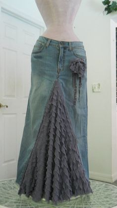 """Old jeans, would like to try something like this but shorter, maybe right above the knee"" Said person who pinned this before me...I can't wear short skirts with my crazy pale legs, so I like the long length ^.^"