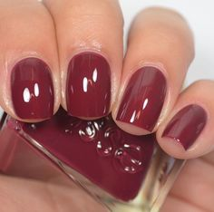 Essie - Gala-vanting (Gel Couture After Party Collection)