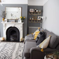 Farrow & ball plummet and ammonite paint Farrow And Ball Living Room, Living Room Grey, Formal Living Rooms, Home And Living, Living Room Decor, Colourful Living Room, Paint Colors For Living Room, Front Room Decor, Victorian Living Room