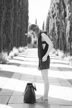 @Damsel In Dior wearing Elyse Walker Los Angeles Espadrilles - The coordinates are 27.9789 °N97.3986 °W.