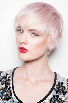 Propuesta Pixie Cut pink pastel short hair