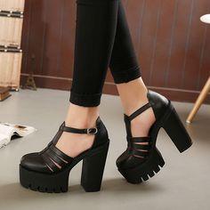 Venta caliente 2015 nueva moda de verano altas sandalias de la plataforma mujeres ladies casual shoes China negro y blanco tamaño EUR 35 a 39 en Sandalias de las mujeres de Calzado en AliExpress.com   Alibaba Group