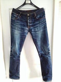 Die schwedische Jeansmarke Nudie Jeans hat hochwertige Jeans-Klassiker als Unisex-Modell zu bieten. Sie sehen Jeans als einen lebenslangen Begleiter, der sich immer mehr an einen selbst anpasst und wie zu einer zweiten Haut werden kann. Je länger du deine Jeans also trägst, desto mehr Passgenauigkeit, Charakter und Attitüde erhält sie!