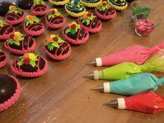 Delicias Maravillosas: Glasé Real para Huevos de Pascuas y Ribetes de pasteles decorados.