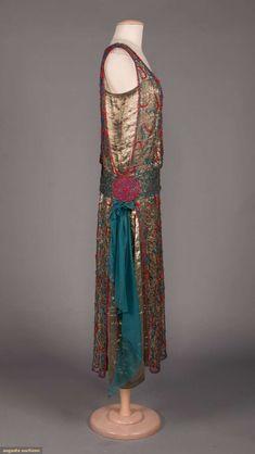 1920s Fashion Women, 30s Fashion, Art Deco Fashion, Vintage Fashion, Flapper Fashion, Vintage Style, Fashion Design, Vintage Flapper Dress, 1920s Dress