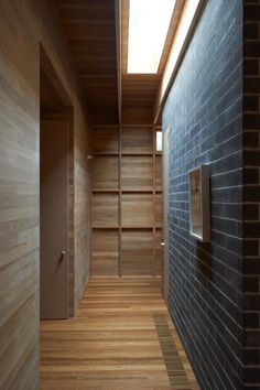 Pirates Bay House / O'Connor and Houle Architecture