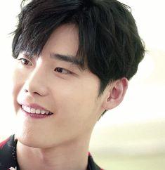 Suk My heart just stopped❤ Lee Jong Suk Cute, Lee Jung Suk, Lee Jong Suk Doctor Stranger, Kang Chul, Choi Jin, W Two Worlds, Han Hyo Joo, Yoo Ah In, Handsome Korean Actors