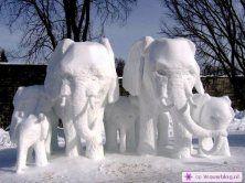 Sneeuwsculpturen 01