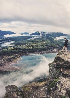 Early rise and a Saturday drive to hike Rattlesnake Ridge in North Bend. The view from the top is incredible.