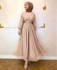 Muslim Evening Dresses, Hijab Evening Dress, Hijab Dress Party, Hijab Outfit, Hijab Fashion Inspiration, Mode Inspiration, Modest Dresses, Simple Dresses, Dresses For Hijab