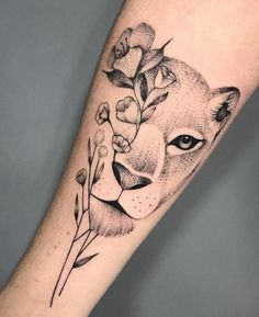 70 Female and Male Lion Tattoos Mommy Tattoos, Cute Thigh Tattoos, Baby Tattoos, Top Tattoos, Couple Tattoos, Body Art Tattoos, Small Tattoos, Female Thigh Tattoos, Lion Thigh Tattoo