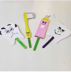 This page has a lot of free Dental health craft idea for kids,parents and preschool teachers. Toddler Crafts, Crafts For Kids, Puppet Crafts, Health Activities, Teaching Aids, Health Lessons, Dental Health, Kids Education, Science Education