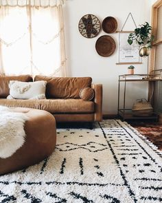 cozy living room design ideas with vintage style 7 < moeshouse Boho Living Room, Cozy Living Rooms, Apartment Living, Living Room Furniture, Living Room Decor, Bohemian Living, Living Spaces, Tan Sofa, Brown Sofa