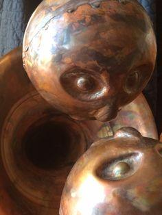 MARIO POZZESSERE (scultura IN RAME)  Nucleo.La musica avvicina la gente Mario, Skull, Painting, Musica, Painting Art, Paintings, Painted Canvas, Skulls, Drawings