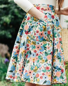 New in the shop! We're so in love with this new print, and you can shop the skirt now on our website and on Etsy! 💐 . . . #handmadefashion… Look Retro, Look Vintage, Retro Vintage, Modest Fashion, Fashion Outfits, Womens Fashion, Punk Fashion, Lolita Fashion, Fashion Tips
